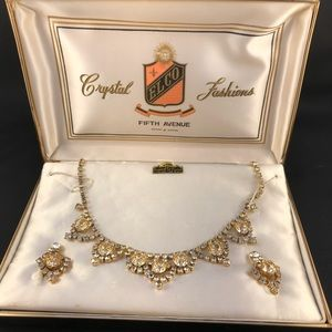 Vintage jewelry set in original box